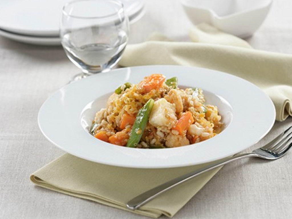 Dusená hnedá ryža so zeleninou