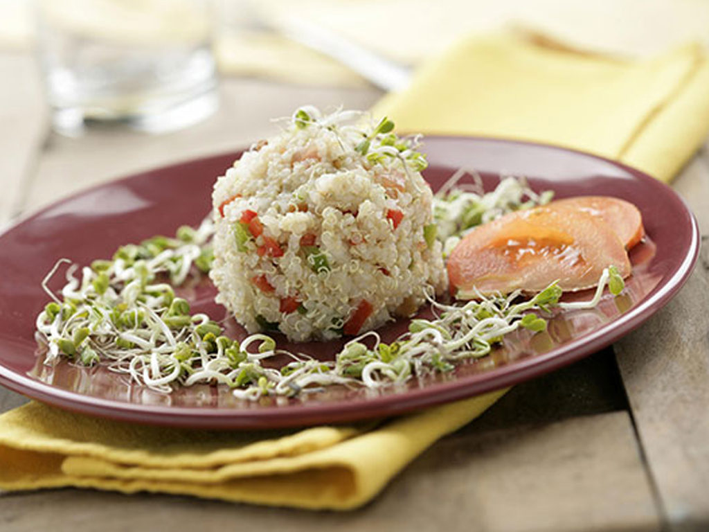 Farebný šalát s quinoou